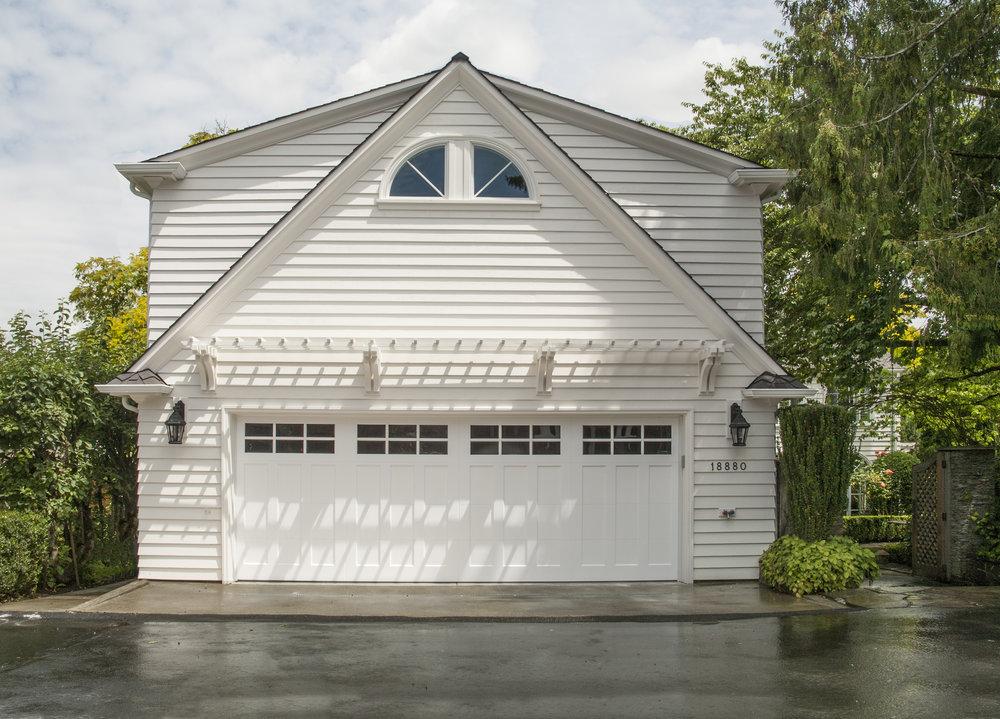 Cowden garage trellis.jpg