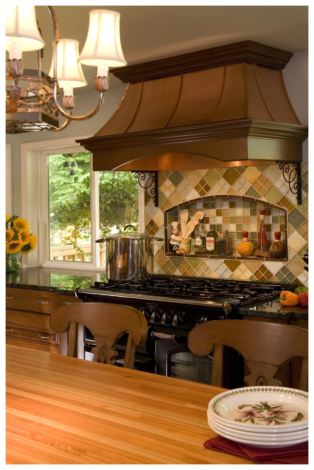 Woodinville English Hill Traditional Kitchen 3.jpg