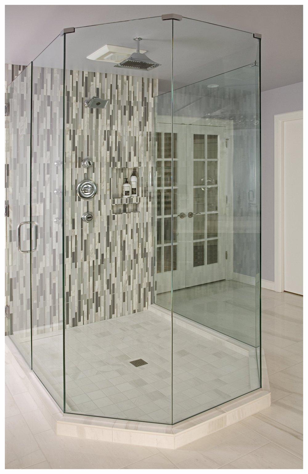 Redmond Traditional Master Bath 5.jpg