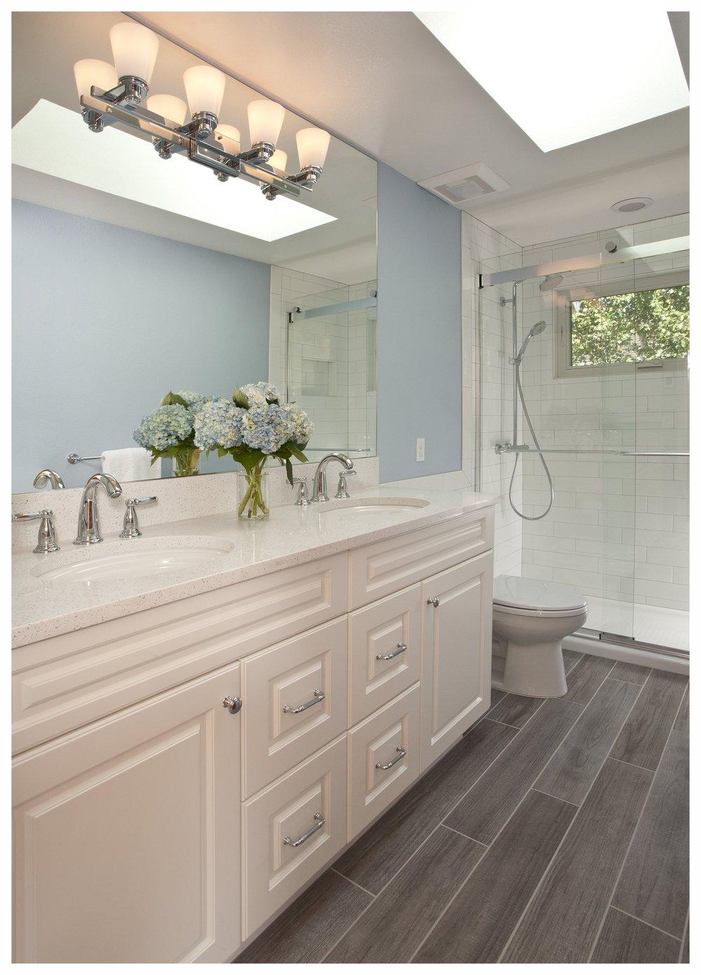 Bellevue Lakemont Tradational Small Bath 1.jpg