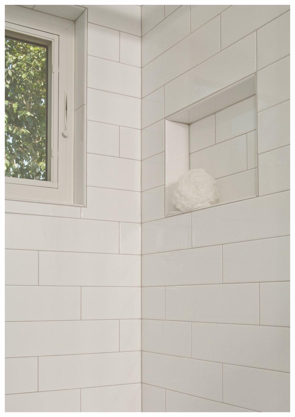 Bellevue Lakemont Tradational Small Bath 3.jpg