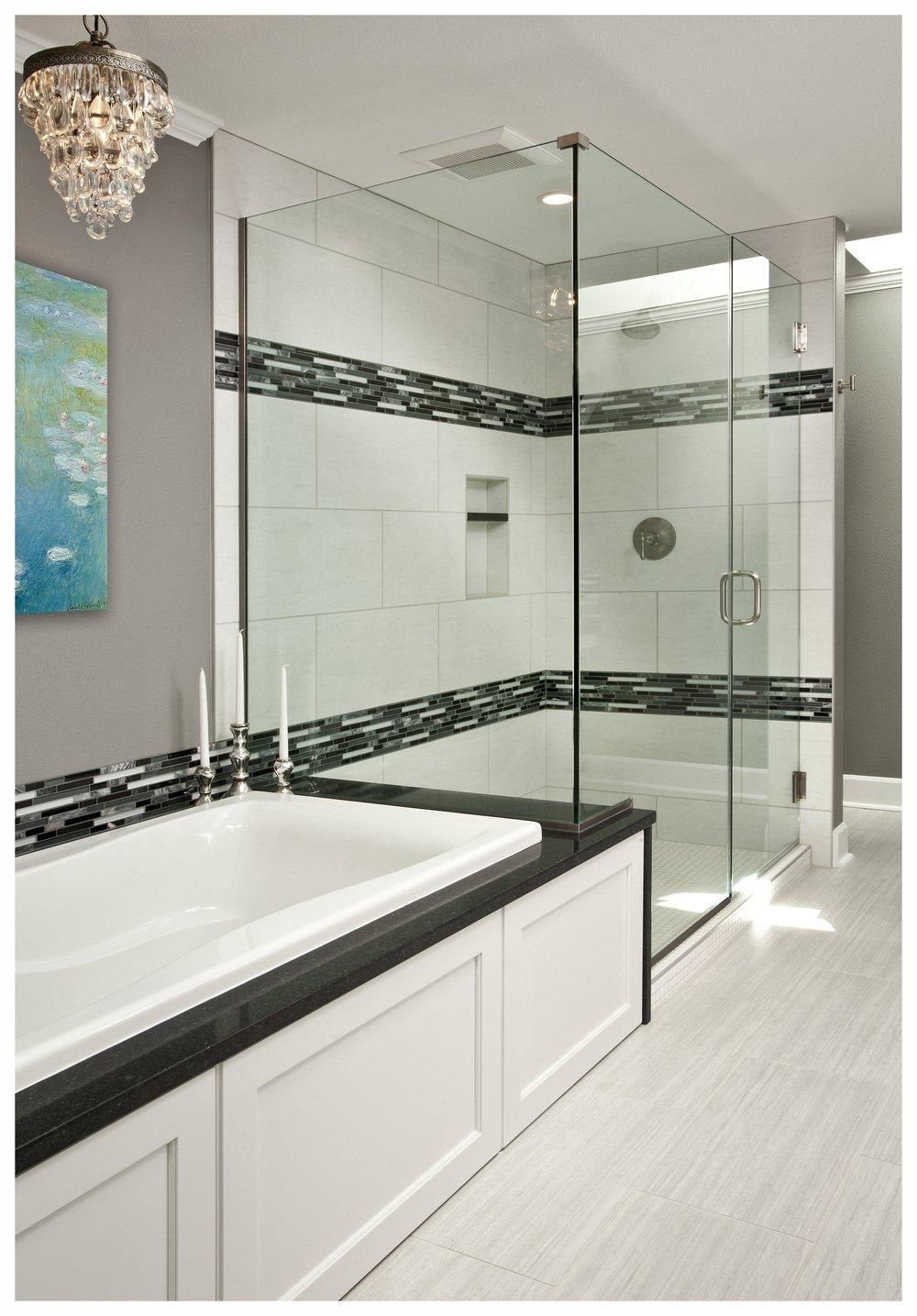 Kenmore Transitional Master Bath 4.jpg