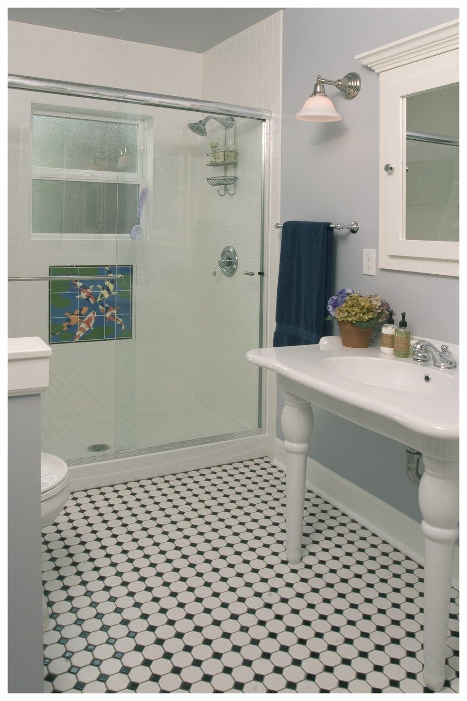Ballard Traditional Small Bath 1.jpg