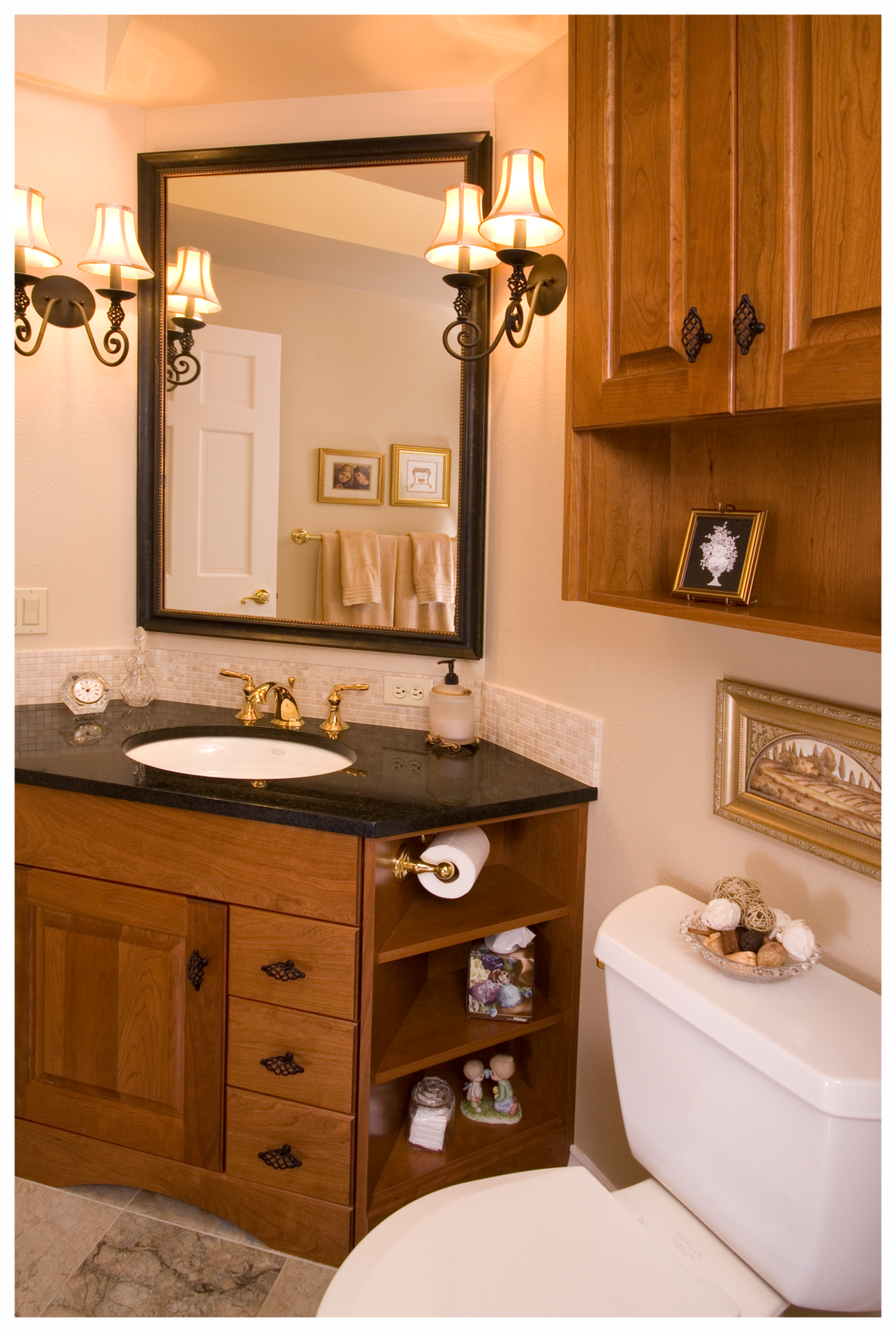 Woodinville English Hill Traditional Small Bath 2.png