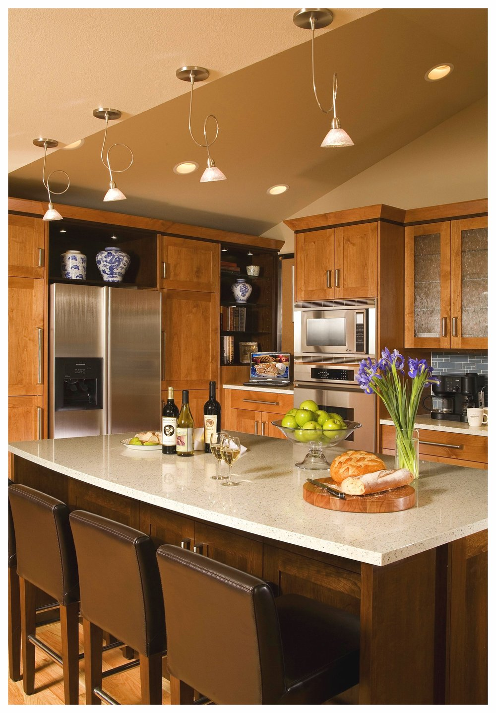 Bellevue Wilburton Park Transitional Kitchen 4.jpg