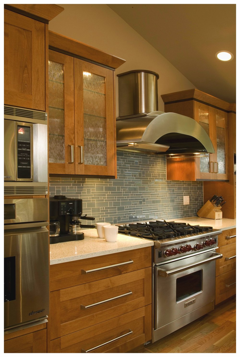 Bellevue Wilburton Park Transitional Kitchen 5.jpg
