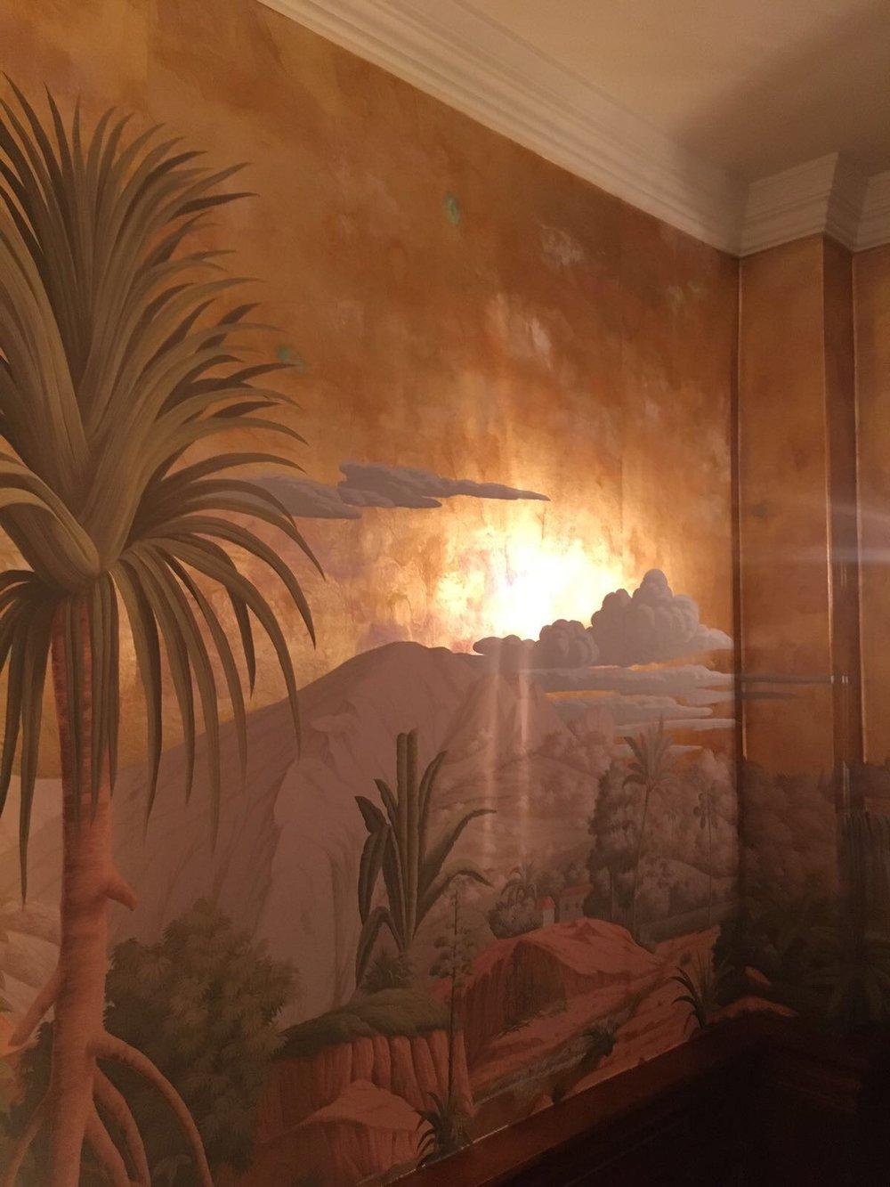 Bespoke golden wallpaper
