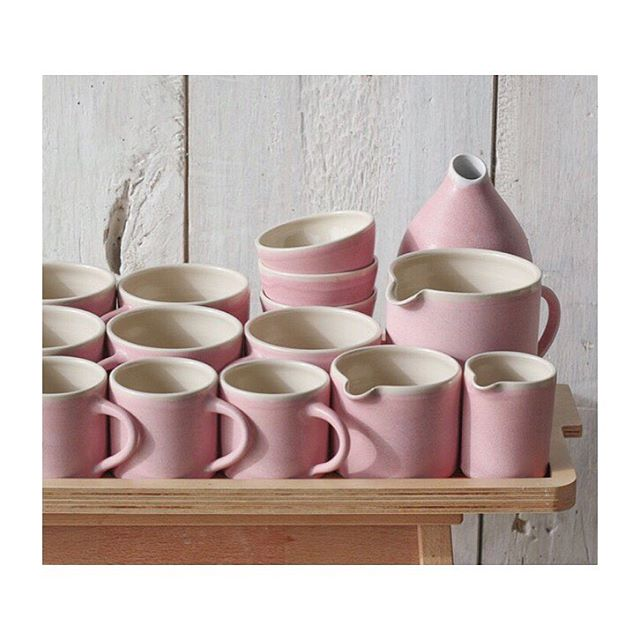 CANDY GLAZE 🍬 Just had to share this pic from the lovely @sueure showing an array of pink perfection. We stock the large tea mug (back left) and it is literally one of my favourite possessions ...(Well, I have a pair so two of my favourite possessions!). Perhaps the perfect Mother's Day gift too?! 😉 Just add tea ✔️ #ihavethisthingwithpink #handmade #unique