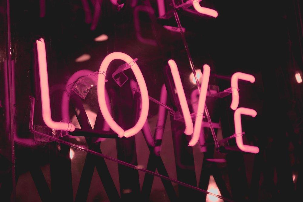 Custom Neon Sign Love