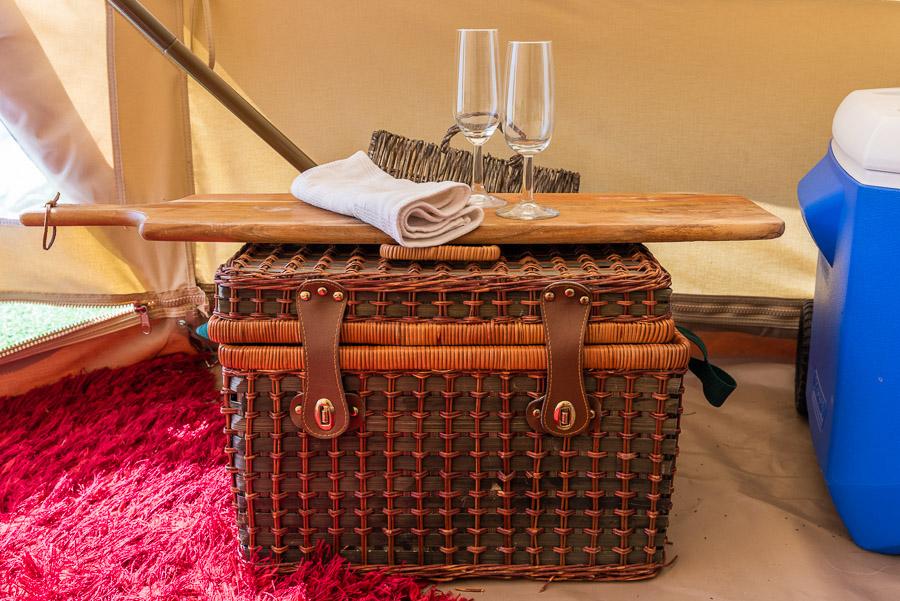 The Tent House - Gulaga: Picnic basket.