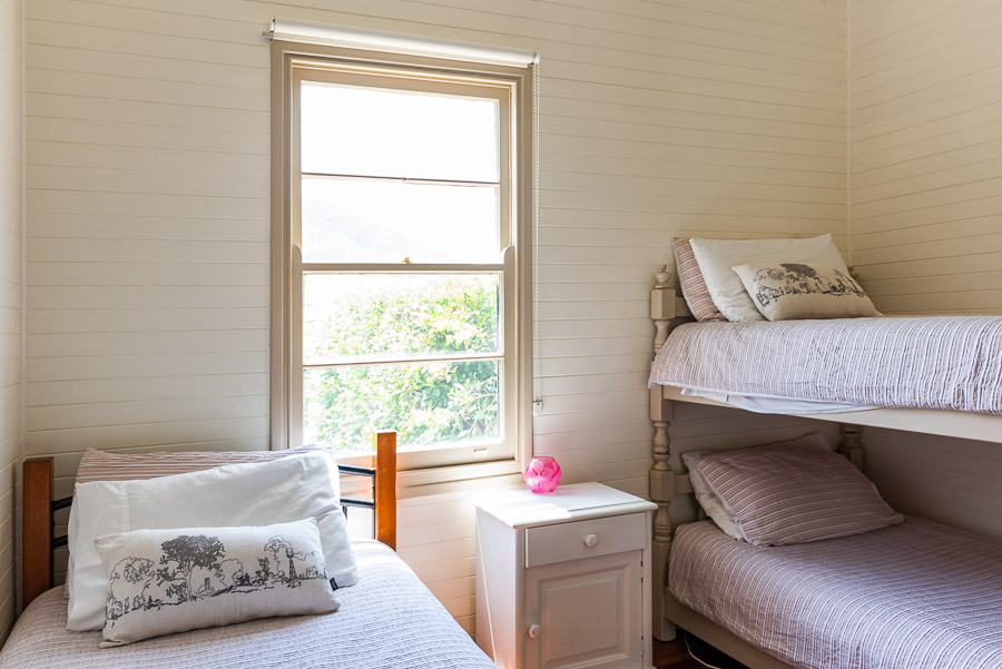 The Palm Cottage: Single bed and double bunk bed in second bedroom.