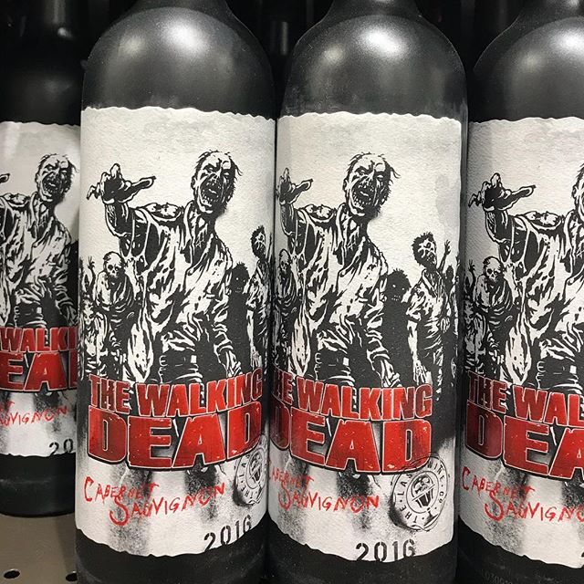 . Considering 🤔 #walkingdeadwine  @amcthewalkingdead  _____ #whiskeylife #cigarculture #dapperedden  #eventexperiences  #theoriginalmobilemancave
