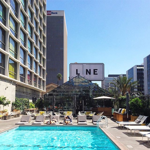 Have you brunched here? @thelinehotel knows how to do it well. 🕶
