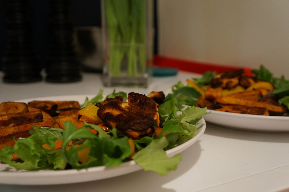The finished product (I think we could call this 'distracted' halloumi salad).
