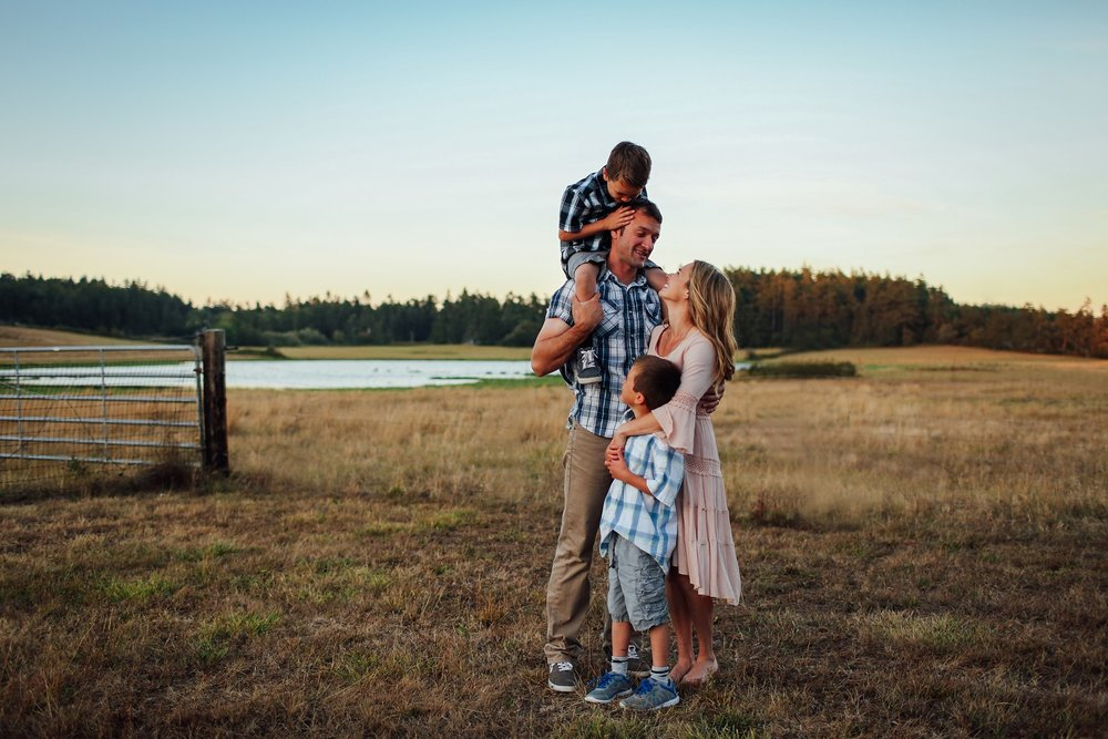 Whidbey-Island-Family-Photographer-Kara-Chappell-Photography_0763.jpg