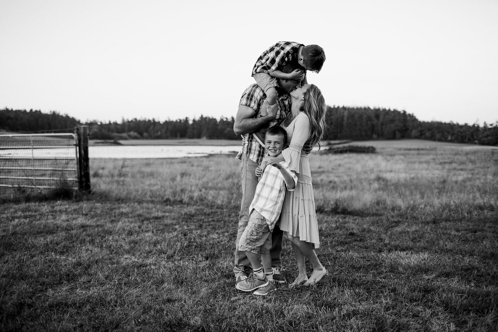 Whidbey-Island-Family-Photographer-Kara-Chappell-Photography_0765.jpg