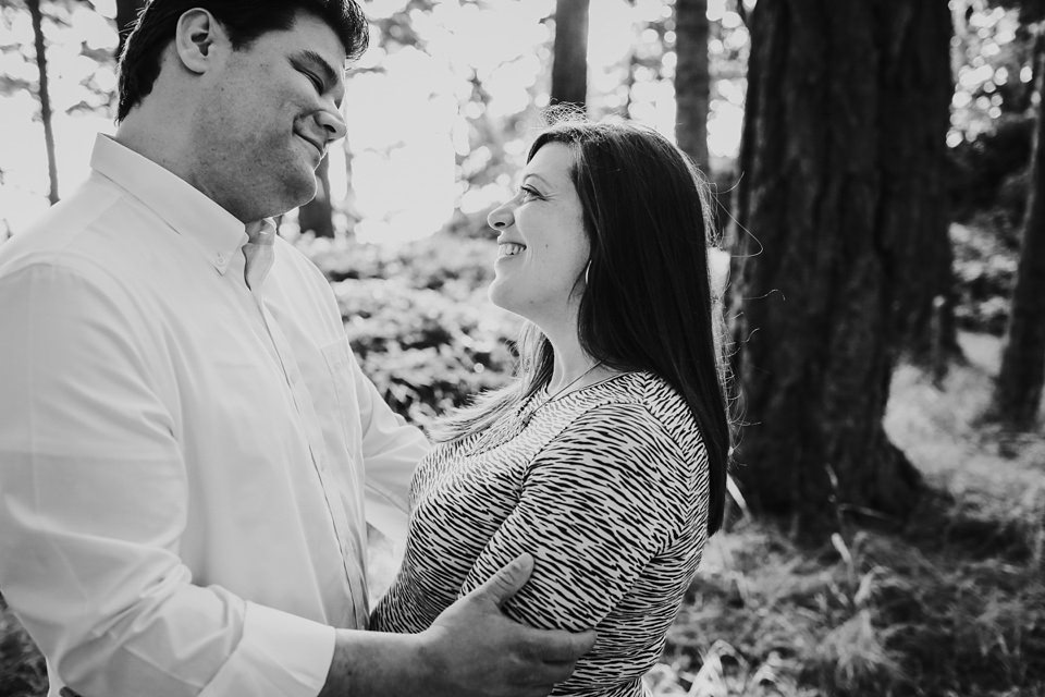 maternity-couples-portraits-whidbey-island-2.jpg