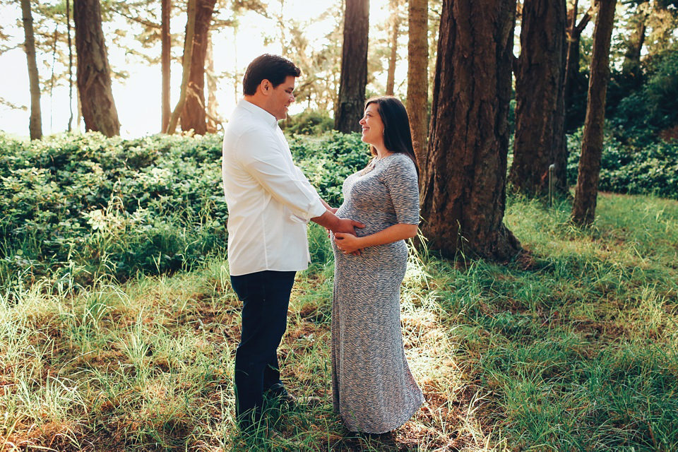 maternity-couples-portraits-whidbey-island-1.jpg