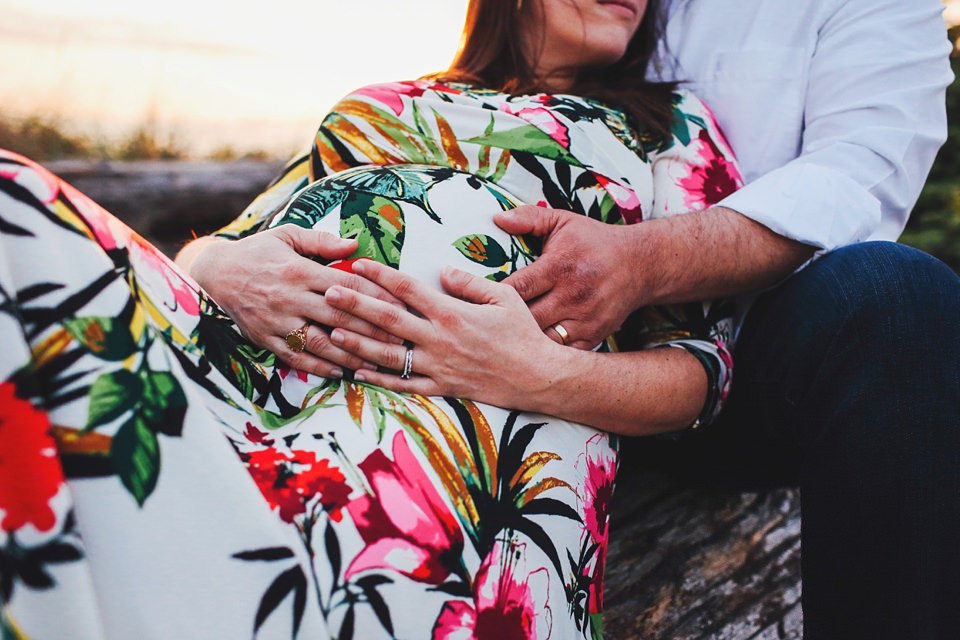 maternity-couples-portraits-whidbey-island-24.jpg
