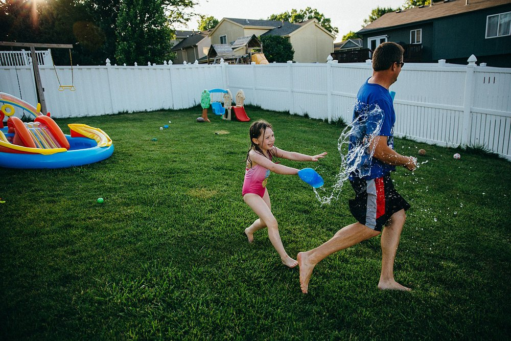 backyard-summer-playtime-with-cousins_0038.jpg