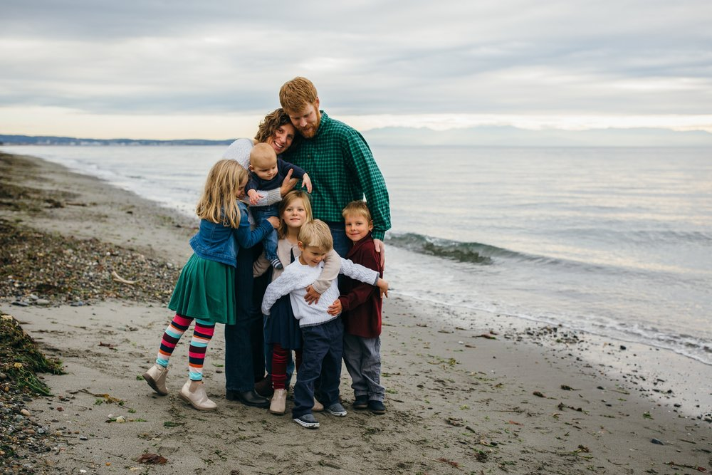 kara chappell whidbey island family photography family beach session at deception pass state park