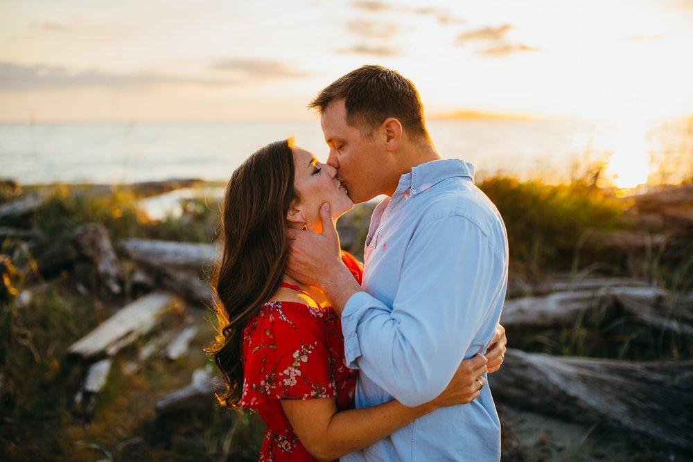 Couple kisses on beach | Oak Harbor Family Photographer