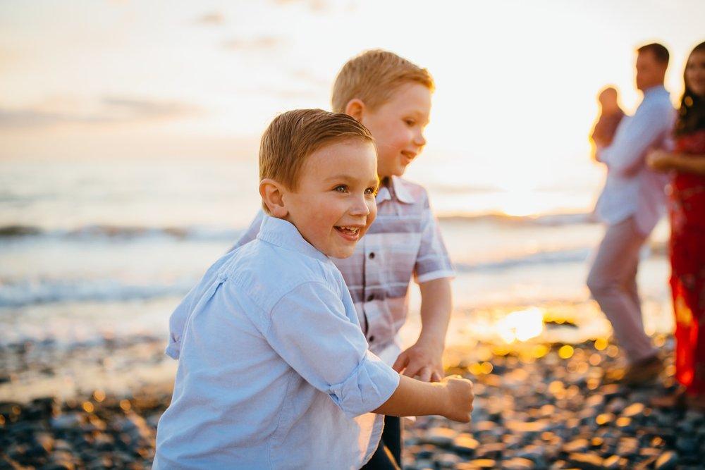 Boys play on beach at Deception Pass State Park | Oak Harbor Family Photographer