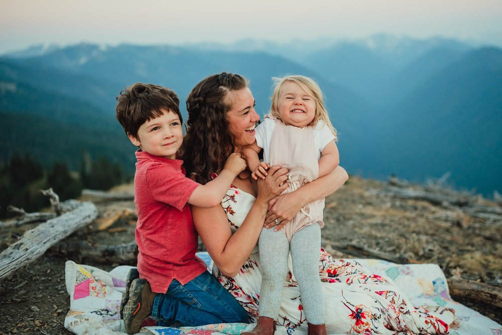 family photo session at the top of hurricane ridge