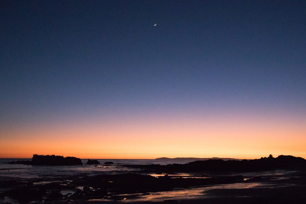 moon peeks out during sunset | Whidbey Island family photographer