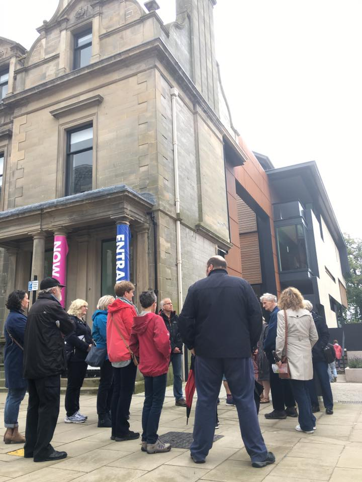 Guided architecture walk led by Perri Hopkinson