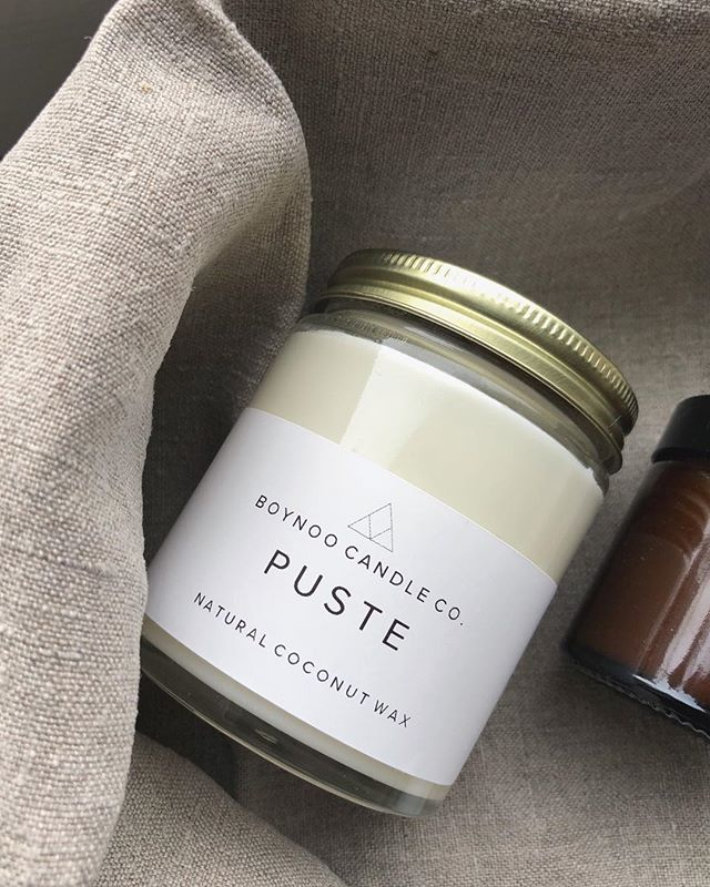 Almost weekend, rembember to «PUSTE»🙌🏼🌿 (Norwegian word for«breathe») This candle is infused with natural essential oils: EUCALYPTUS + ROSEMARY.  Helen x ⠀⠀⠀⠀⠀⠀⠀⠀⠀ ⠀⠀⠀⠀⠀⠀⠀⠀⠀ ⠀⠀⠀⠀⠀⠀⠀⠀⠀ ⠀⠀⠀⠀⠀⠀⠀⠀⠀ ⠀⠀⠀⠀⠀⠀⠀⠀⠀ ⠀⠀⠀⠀⠀⠀⠀⠀⠀ ⠀⠀⠀⠀⠀⠀⠀⠀⠀ ⠀⠀⠀⠀⠀⠀⠀⠀⠀ ⠀⠀⠀⠀⠀⠀⠀⠀⠀ ⠀⠀⠀⠀⠀⠀⠀⠀⠀ ⠀⠀⠀⠀⠀⠀⠀⠀⠀ ⠀⠀⠀⠀⠀⠀⠀⠀⠀ ⠀⠀⠀⠀⠀⠀⠀⠀⠀ ⠀⠀⠀⠀⠀⠀⠀⠀⠀ ⠀⠀⠀⠀⠀⠀⠀⠀⠀ ⠀⠀⠀⠀⠀⠀⠀⠀⠀ ⠀⠀⠀⠀⠀⠀⠀⠀⠀ ⠀⠀⠀⠀⠀⠀⠀⠀⠀ ⠀⠀⠀⠀⠀⠀⠀⠀⠀ ⠀⠀⠀⠀⠀⠀⠀⠀⠀ ________________________________________  #kokosvoks #økologisk #ethicalbusiness #femmepreneur #organichome #makersmovement #makersgonnamake #onmytable #smallbatch #simplepleasures #shopsmall #embracingtheseasons #livefullyalive #theeverydayproject #chasinglight #ecofriendly #interior123 #musthave#norwegianmade #simplepleasures #theartofslowliving #aquietstyle#viewfromabove #thisherelife #kinfolk #themindfulapproach #earthfriendly #smallbatchgoods #boynoo #bærekraftig