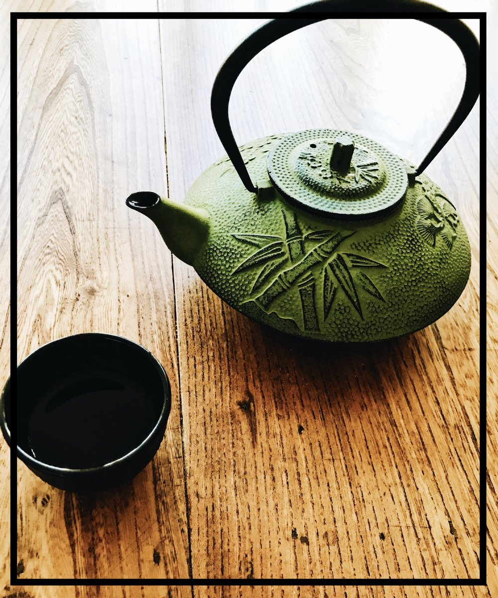 My new Japanese tea pot! Ain't she pretty :)