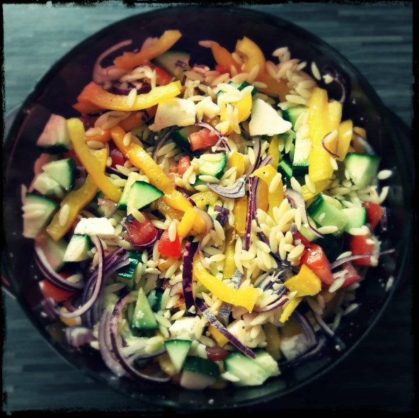 colourful greek  salad bowl  @natasjaevenepoel