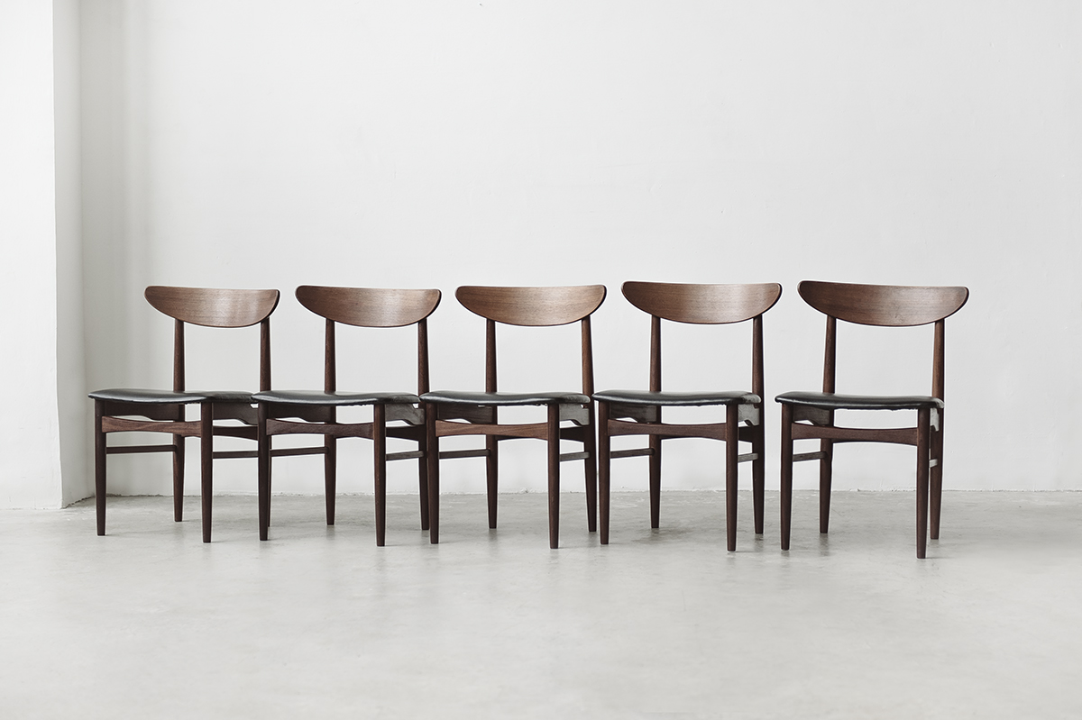 efdad0929027 Set of Danish dining chairs. noden-9490.jpg