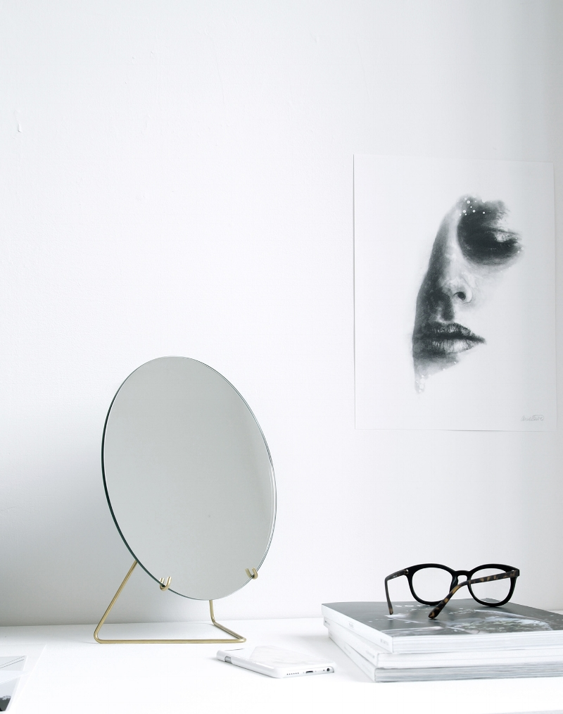 Standing mirror  by Moebe in brass.