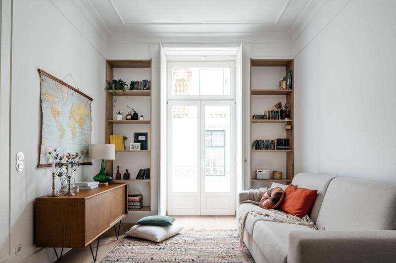 Living area in the Comfort one bedroom.