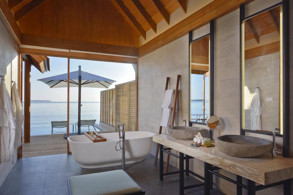 Ocean Retreat w Pool bath.jpg