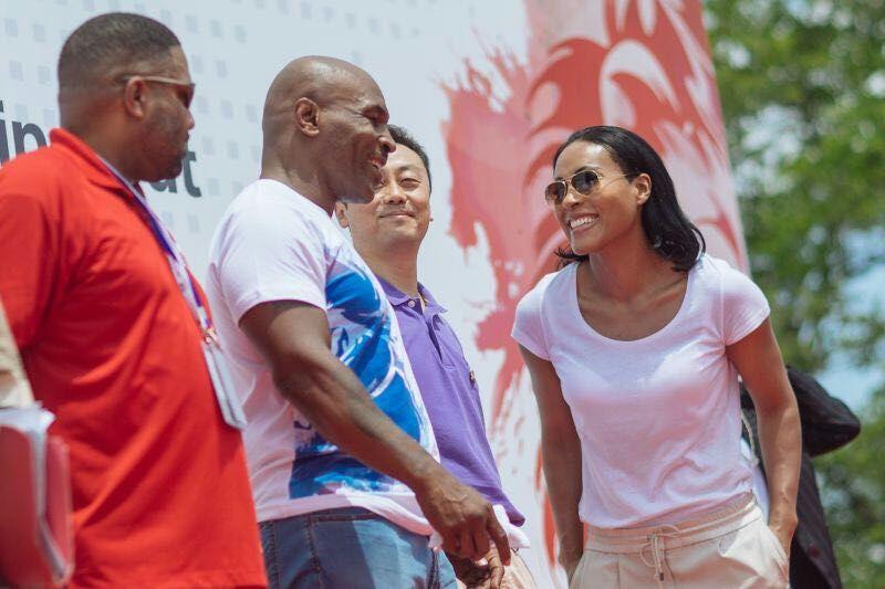Brækhus er blitt inspirert av de største boksestjernene. Her er hun med tidligere tungvekter Mike Tyson. Foto: Ukjent