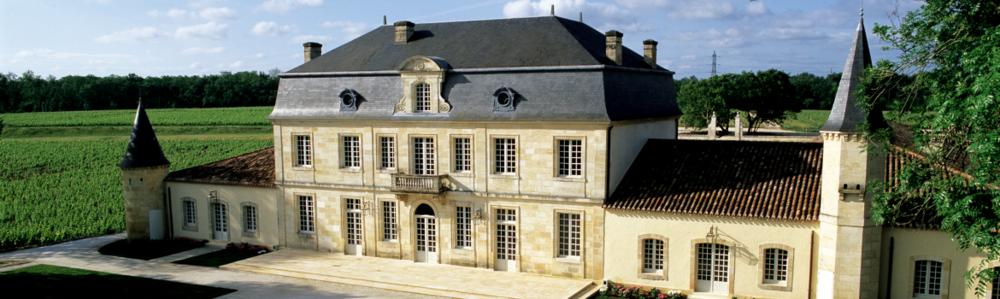 Vers le site du Château Couhins