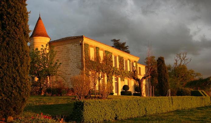 Vers le site du château Troplong Mondot