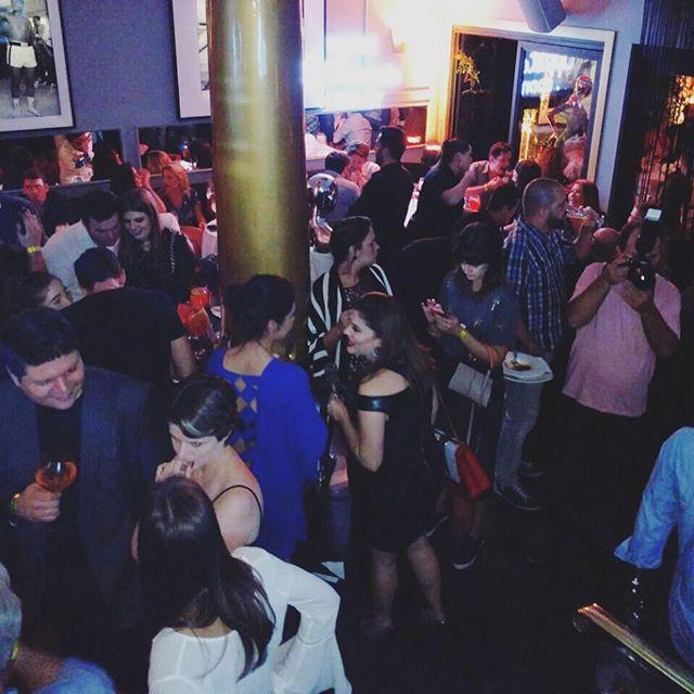 Foto do super evento da @optemais aqui no Alucci! Casa cheia, nosso drinks e nossas entradinhas! Sucesso! #Alucci #aluccialucci