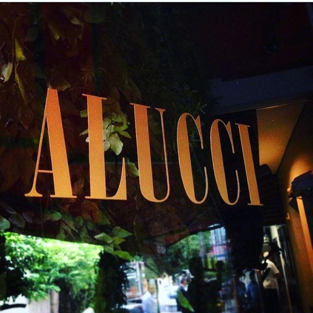 A partir de hoje AlucciAlucci é saudade. Saudade de boas musicas, de bons encontros e reencontros, de boas risadas, das tapas, do brigadeiro, dos drinks..... Ainda bem que tivemos 14 anos de muito disso! Agradecemos a todos nossos amigos e clientes que nos deram a oportunidade de acolhe-los !  Obrigada!