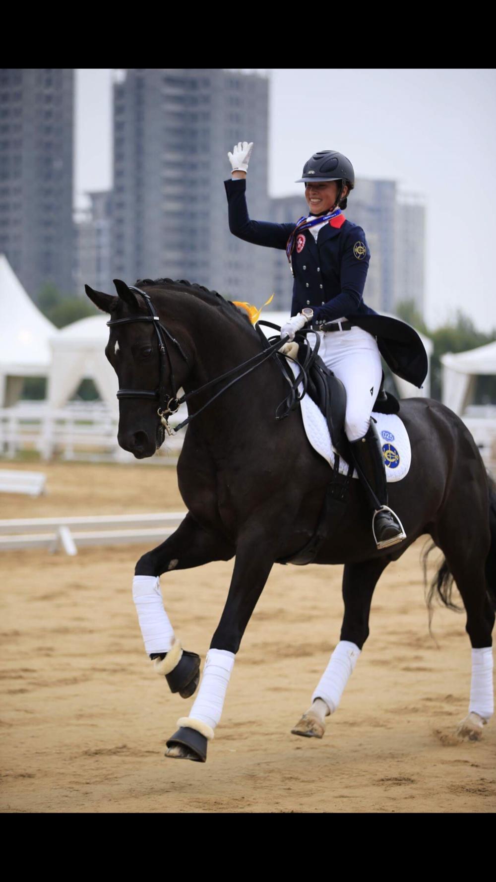 Jackie und Fürst gewinnen auf Anhieb in China die Silber Medaille