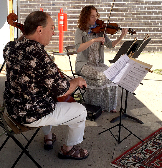 Violinist Jennifer Tackling and Cellist Bill Comita