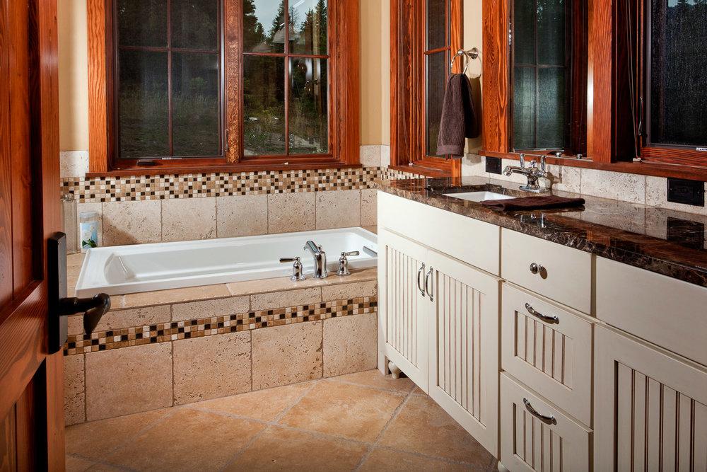Master Bathroom | Ross Peak Hideaway
