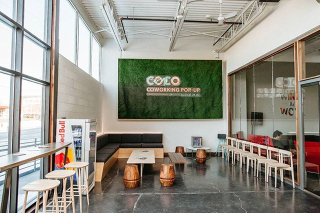 Are you in the advertising/media industry and in town for #SB52? We've partnered with @streetfactorymedia, @cocomsp, and @redbull to bring a complimentary co-working pop-up to our building's new coffee shop @parallel.mn! We've got WiFi, sound-proof podcast rooms, endless RedBull, a full service bar and cafe, and happy hour from 4 to 6pm. #BoldNorth #TheGreatNorthern . . . . . . . . . . #minneapolis #minnesota #minneapolismn #mpls  #creativelife #marketing #superbowl #superbowl52