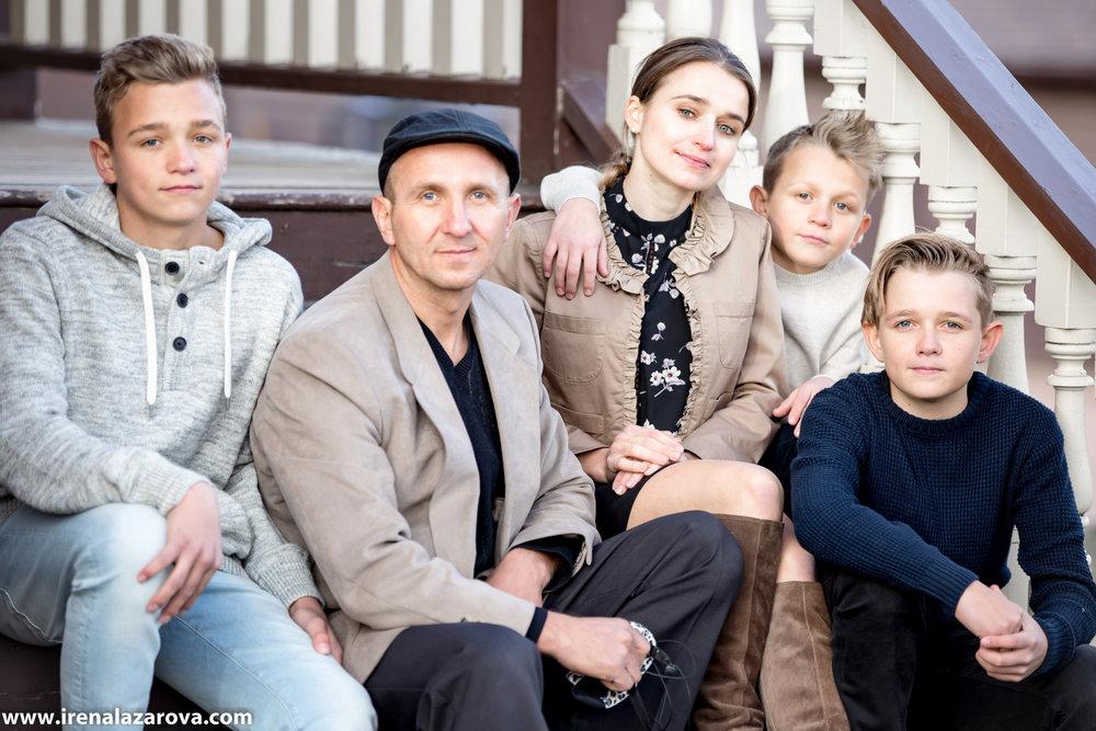 Kristina - Family Photos (7 of 8).jpg