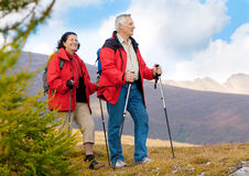 hiking-seniors-11-11068989.jpg