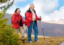 hiking-seniors-11-11068989.jpg