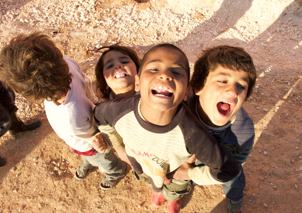 Syrian children refugees smile